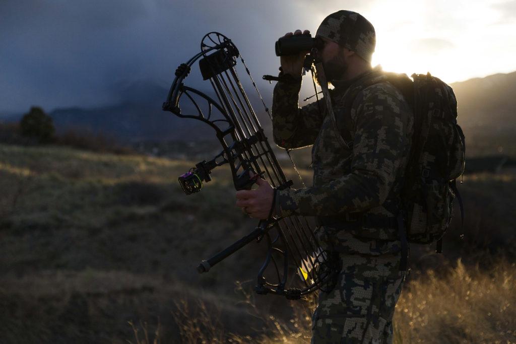 Range your surroundings to prepare the shot.